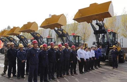 再交12臺大噸位!是什么讓這家鋼企一直選擇徐工裝載機?