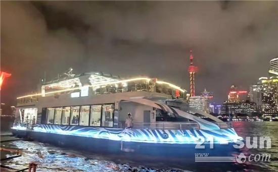 濰柴船舶動力馳騁上海外灘