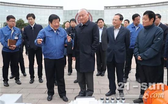 科技部部長王志剛到濰柴考察調研