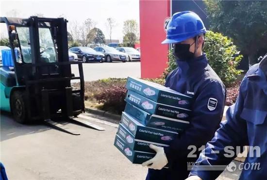 用餐安全有新招,山河智能4000个保温饭盒送员工