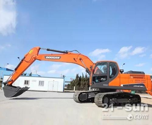 斗山DX215-9C履带挖掘机——水利工程的好手