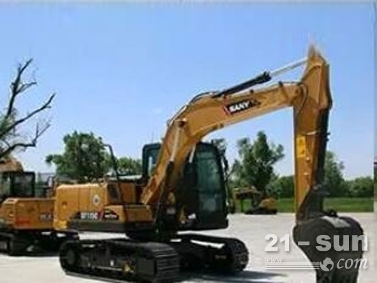 山东临工E6135F挖掘机与三一挖掘机的区别
