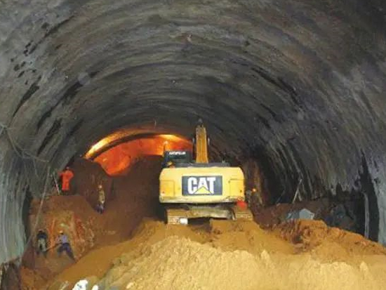 高德注册登录官网隧道挖机施工注意事项