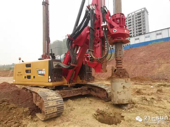 天府之国再添绚丽三一红:三一首款带杆运输旋挖钻机SR165C10