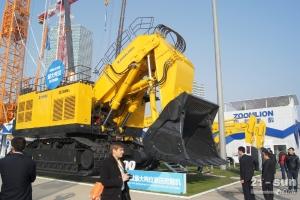 2012中联重科展台最大吨位液压挖掘机