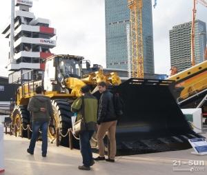 柳工装载机,这个绝对够大!