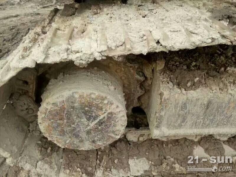 神钢厂碍200-8在线配资网挖掘机