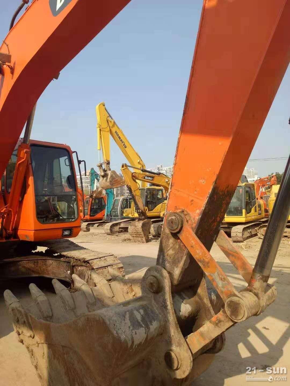 斗山顿贬225-7在线配资网挖掘机