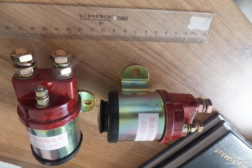 康明斯发动机启动继电器216537 发动机部件启动继电器21...