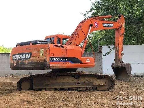 斗山DH225-7二手挖掘机