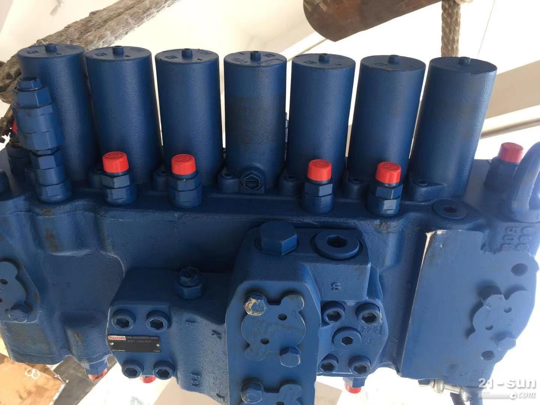 M8-1356-00 7M8-22旋挖多路阀