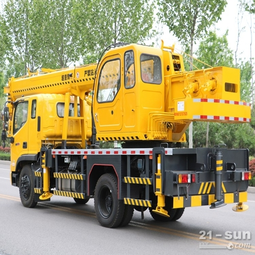 供应15吨吊车价格 十五吨吊车厂家 全国支持分期