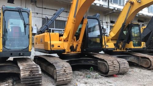 现代225-7二手挖掘机