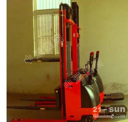 厂家批发2.5T半电动搬运车电动叉车电动堆高车锂电叉车电动托盘车
