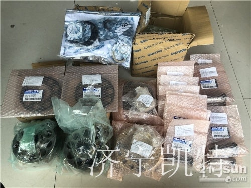 小松原装配件 小松PC400-7液压泵套餐包