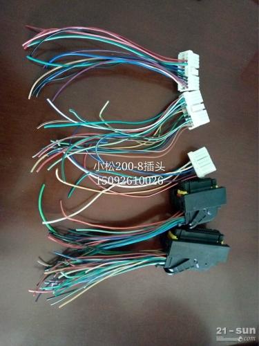 小松挖掘机PC200-8显示屏插头