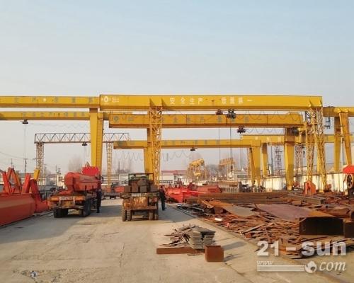 重庆80t龙门吊出租价格 出租轨道集装箱起重机