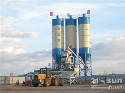 出售二手混凝土搅拌站HZS240进口搅拌机