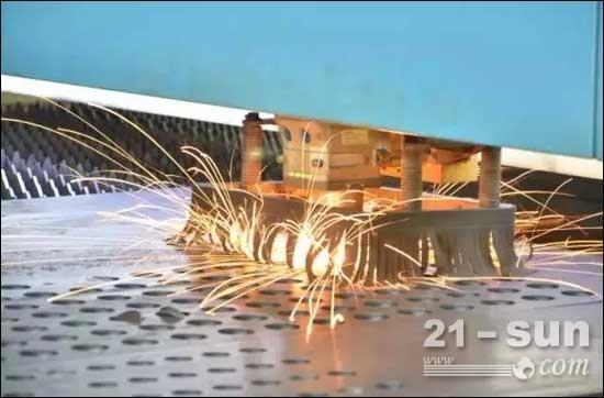 激光切割机集高稳定性、高精度、高功率、好性能、快速度于一体