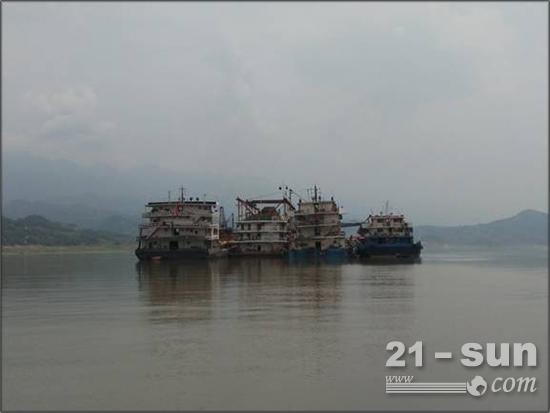 东风康明斯QSZ13应用新突破 采沙船上显风姿