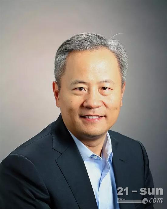 卡特彼勒全球副總裁、卡特彼勒(中國)投資有限公司董事長陳其華先生