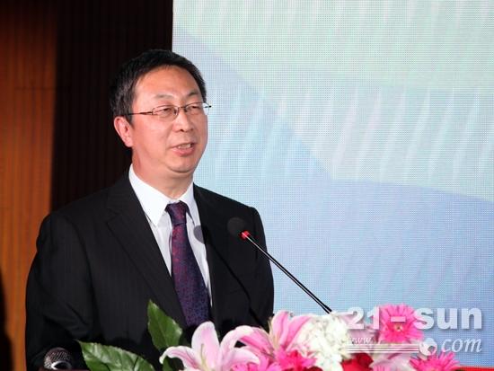 安徽合力总经济师兼董秘张孟青作主题演讲