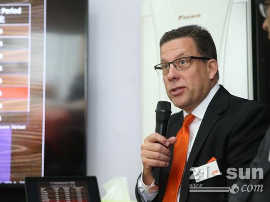 捷爾杰全球市場副總裁-艾倫·洛克斯