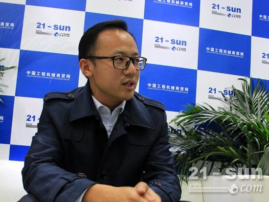 世邦工业科技集团销售管理中心总经理冯磊