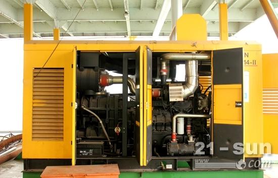 盈田002号采砂船空压机组匹配的东风康明斯QSZ13发动机