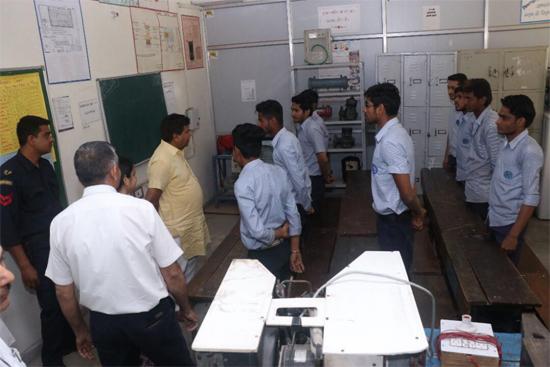 该培训项目将为印度工程机械市场储备专业机手