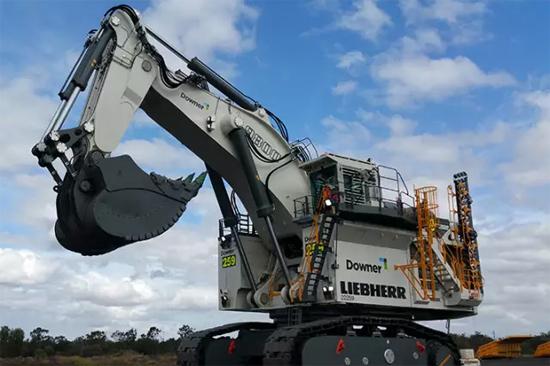 利勃海尔世界最大吨位矿用液压挖掘机再得澳用户订单图片