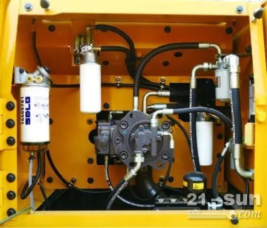 挖掘机液压系统_临工e6225f挖掘机采用的是双泵恒功率正流量液压系统