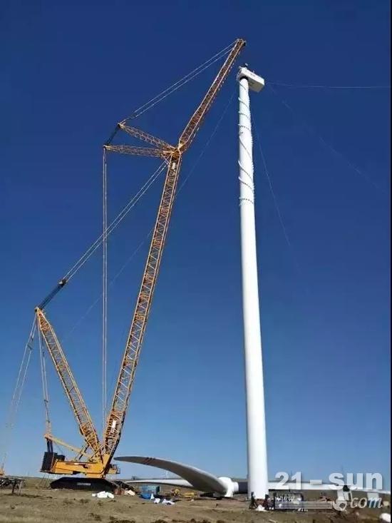 三一重能140m柔塔搭载SE13125机型在张北试验风场完成吊装,进入柔塔认证测试阶段
