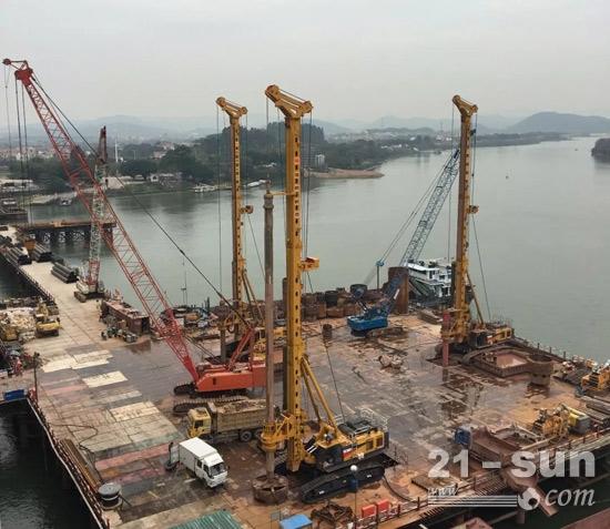 徐工XR550D旋挖钻机在跨度世界第一铁路斜拉桥-广州南沙港铁路西江特大桥工程施工中演绎新精彩
