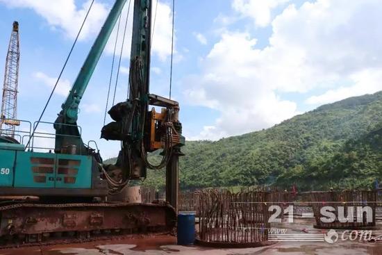 现场施工的山河智能SWDM450旋挖钻