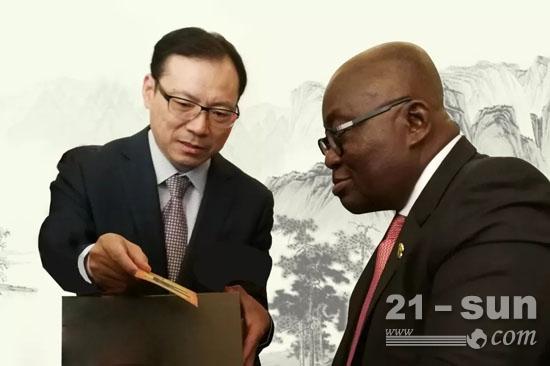 9月4日,加纳总统阿库福会见唐修国