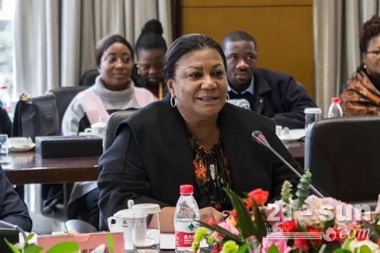 加纳共和国第一夫人丽贝卡·阿库福-阿多到访三一