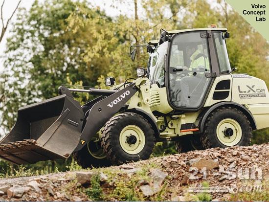 沃尔沃LX2电动小型轮式装载概念机