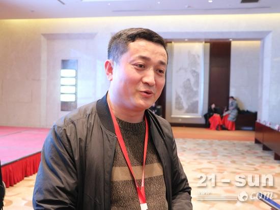 北京龙工博大副总经理杨楠