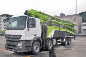中联重科四桥63米七节臂泵车交付客户