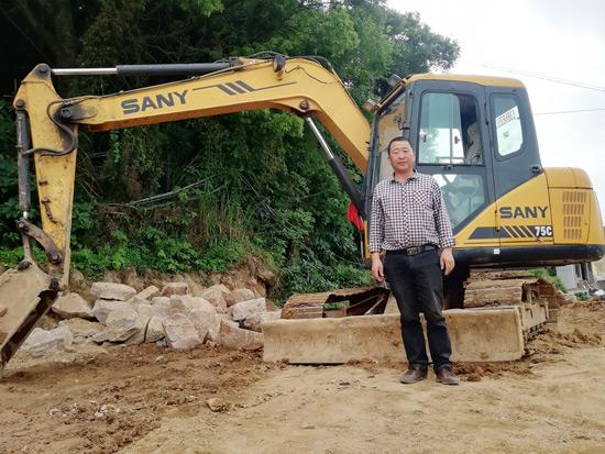 21000小时!他用挖机承包了整个海岛的房屋改建