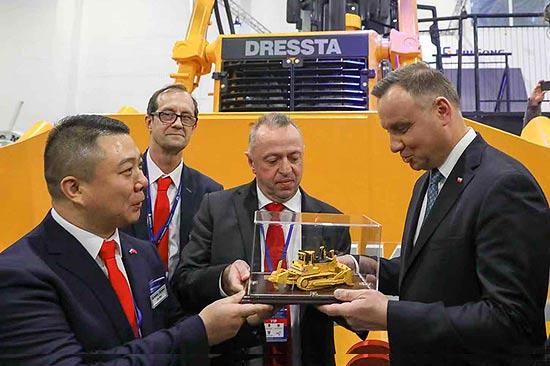 波兰总统高度评价柳工卓越成就