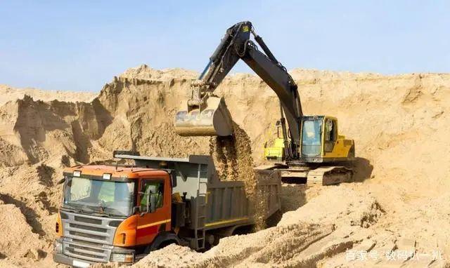 中国挖掘机巨头,蝉联10年销售冠军,净赚124亿,跻身全球第五
