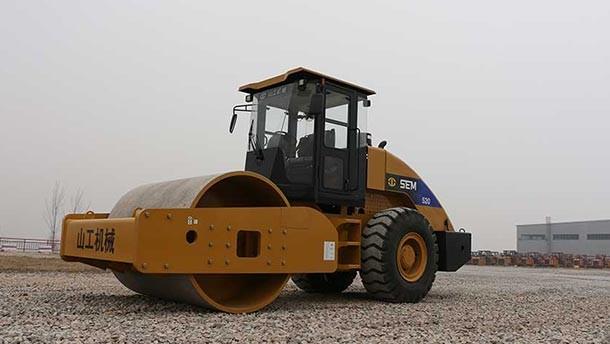 山工SEM520 压路机