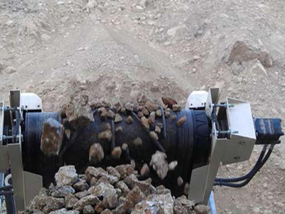 南方路机重型筛分机883助力云南砂石业