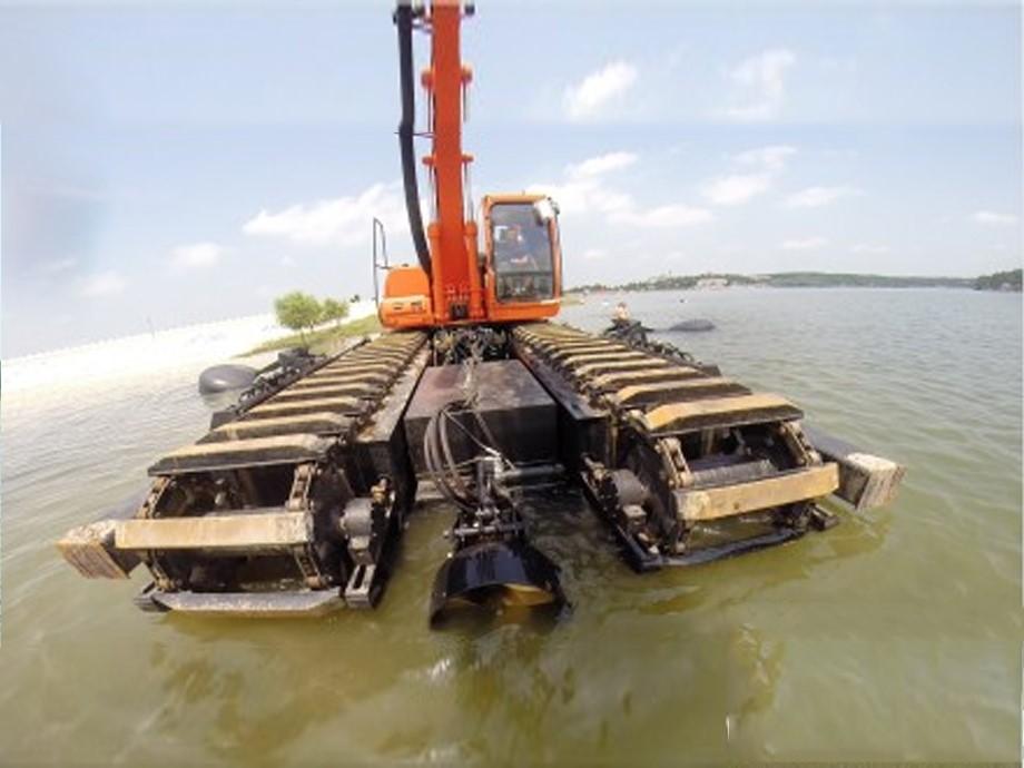 多用途挖掘机水上施工