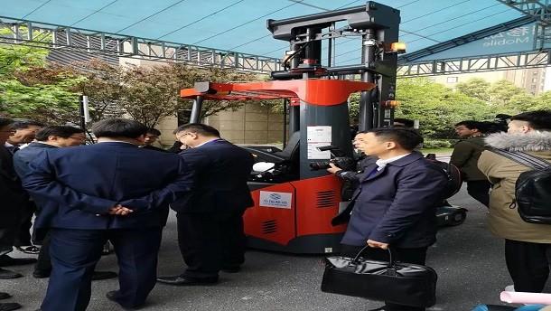 国内首例5G+无人驾驶AGV合力叉车亮相合肥