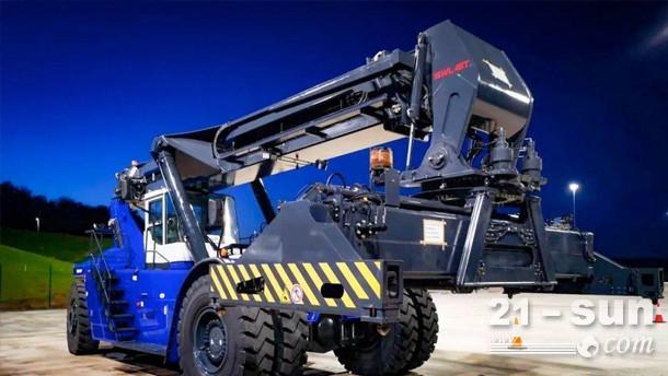 市场上第一台混合动力!三一45吨正面吊荣获IFOY全球最高奖
