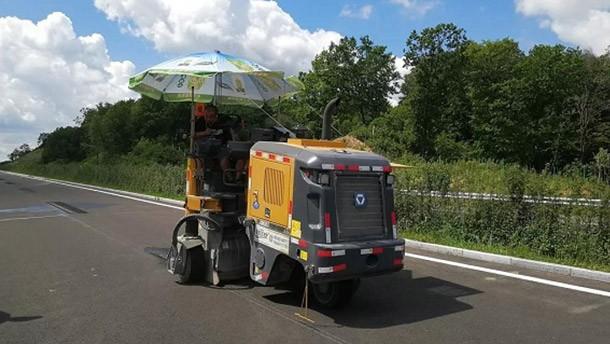 徐工铣刨机应用于高速公路标线施工