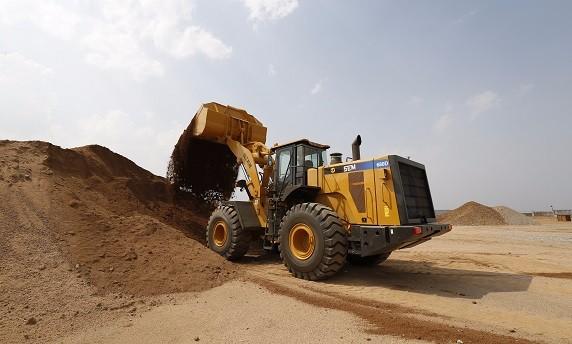 山工SEM680D轮式装载机高清图片
